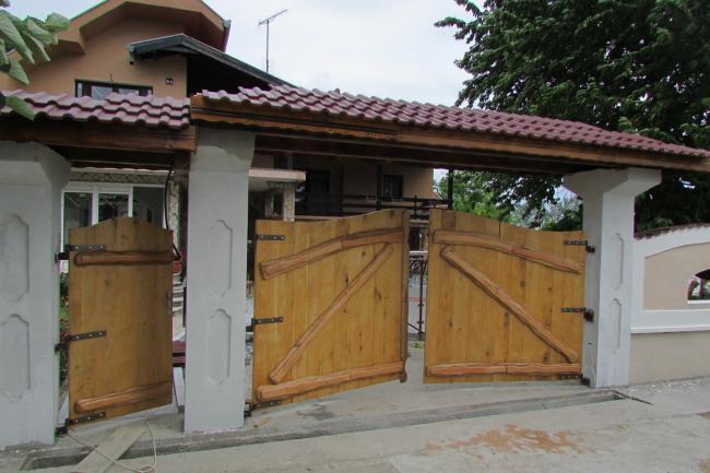 Kapija  ručno izrađeni rustik i etno nameštaj